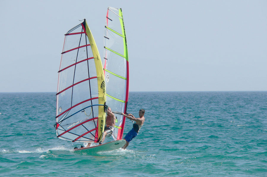 deportes acuáticos en bahía del tangue
